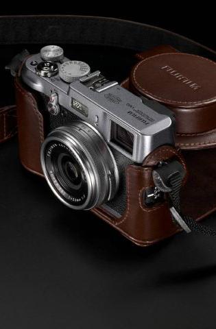 Fujifilm_FinePix_X100