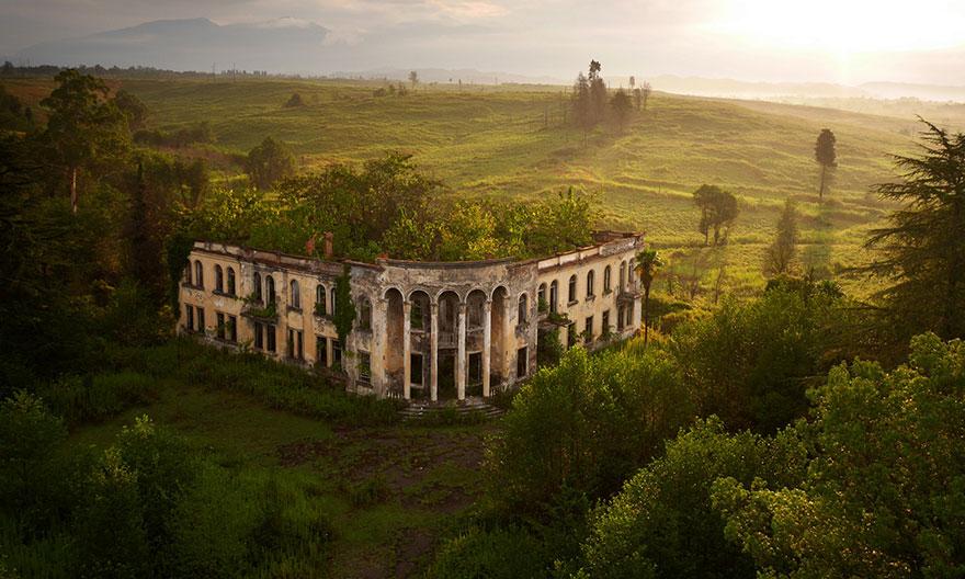 Une université en ruine en Abkhazie Photo : Amos Chapple
